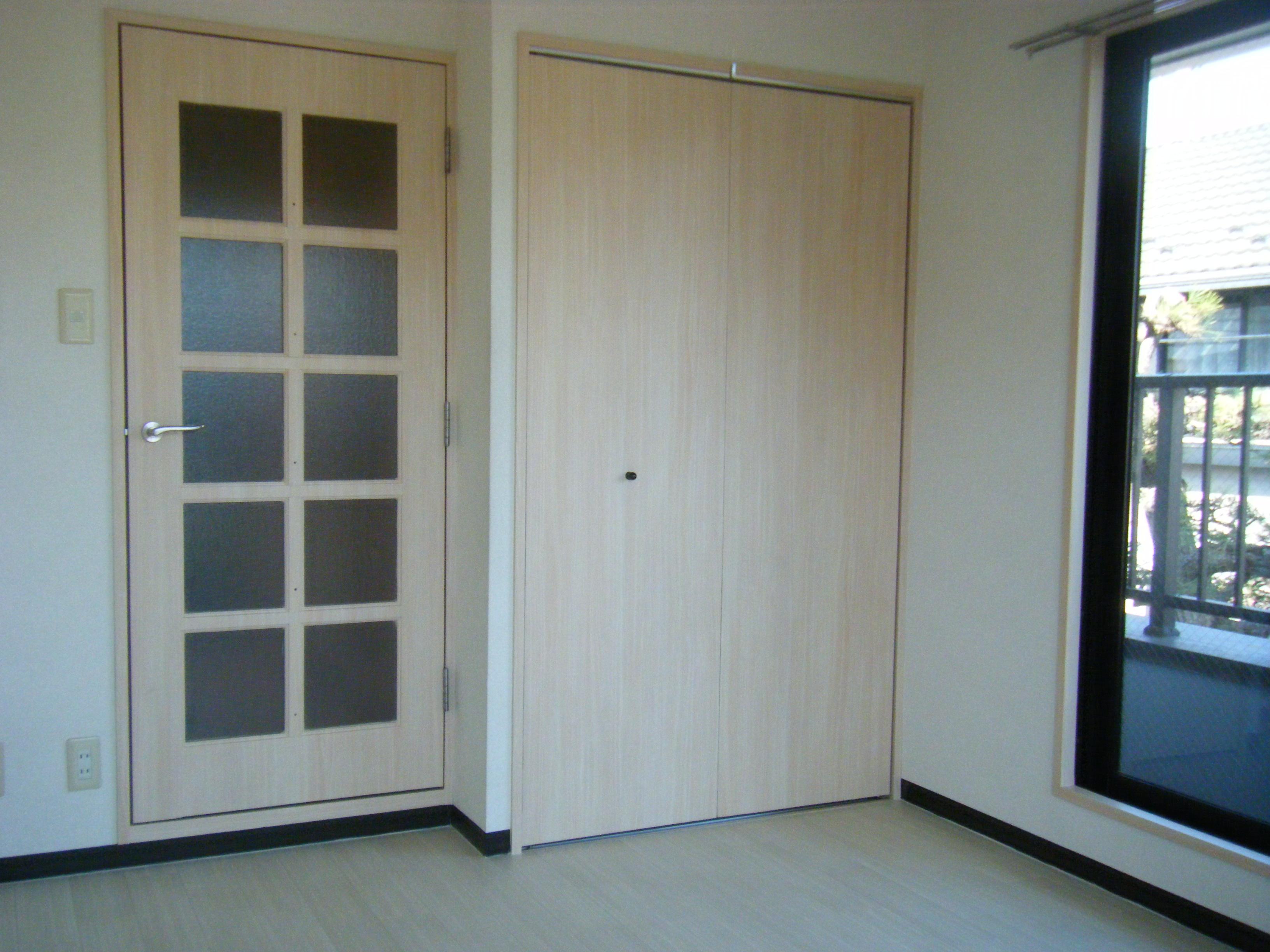 室内ドアとクローゼット建具★